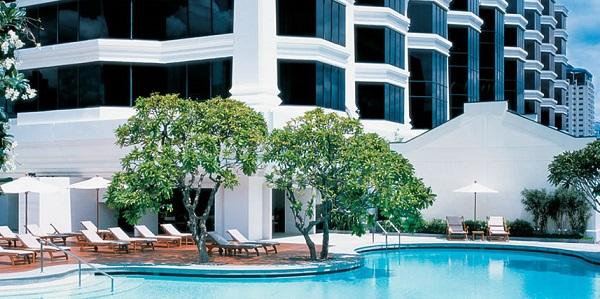Grand-Hyatt-Bangkok-Exterior-Pool