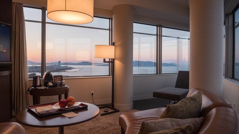 Hilton Seahawk panoramic suite 201401 12