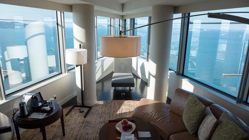 Hilton Seahawk panoramic suite 201401 43