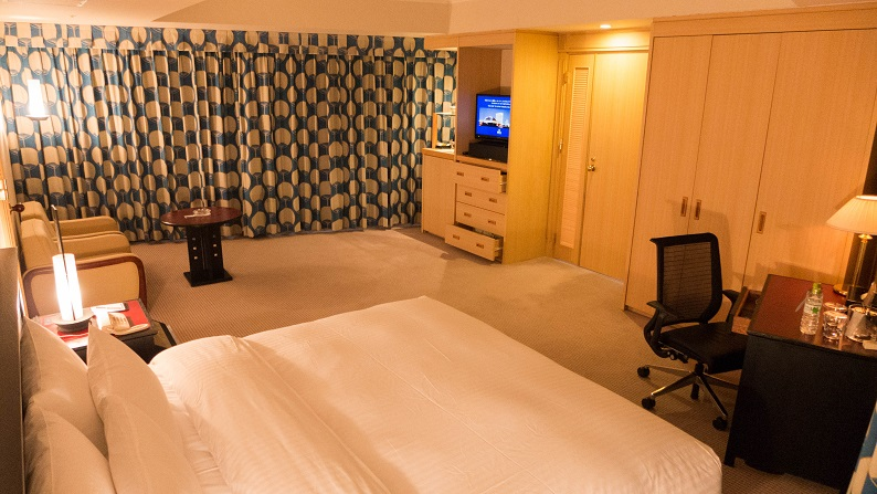Hilton Seahawk panoramic suite 201403 23