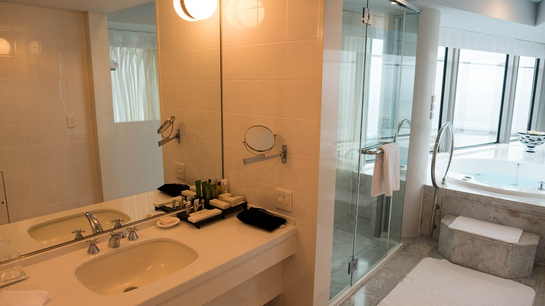 Hilton Seahawk panoramic suite 201403 27