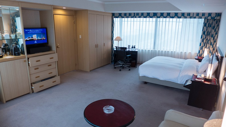 Hilton Seahawk panoramic suite 201403 9