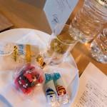 Doubletree Naha Guestroom King 201405 7