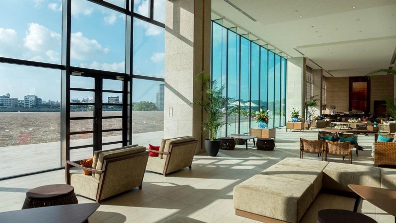 Hilton Okinawa Chatan twin onebedroom suite 201409 5