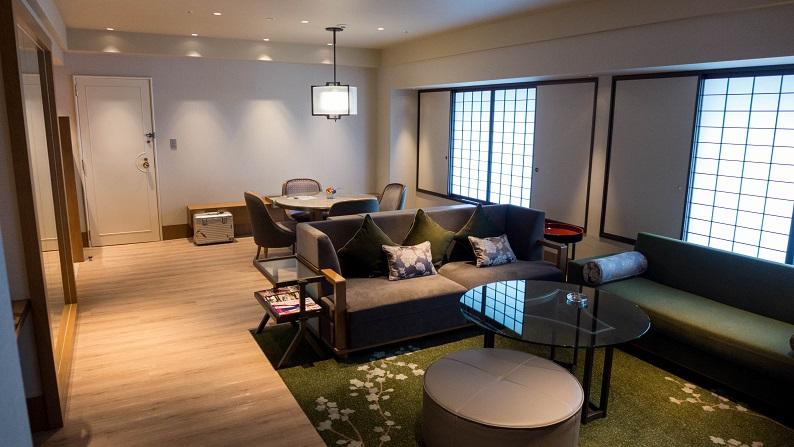 Hilton Osaka tower suite twin 201411 15