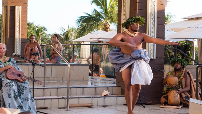 Hyatt Waikiki Pool 201501 1