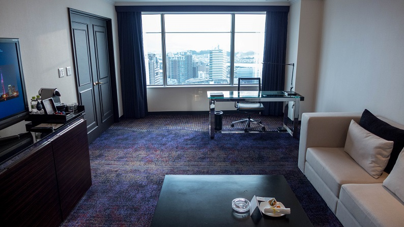 Hilton Fukuoka Sea Hawk Executive Suite Twin 201503 18