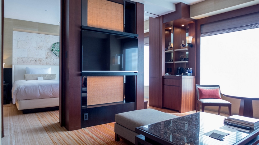 HYATT REGENCY NAHA OKINAWA EXECUTIVE SUITE TWIN 201507 18