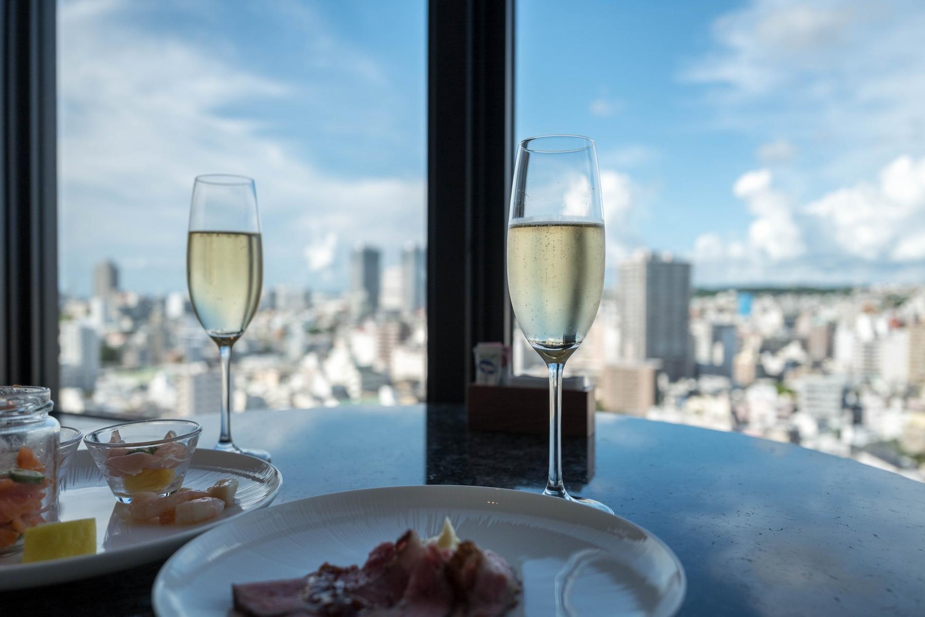 Hyatt Regency Naha Okinawa Club Deluxe Twin 201607 13