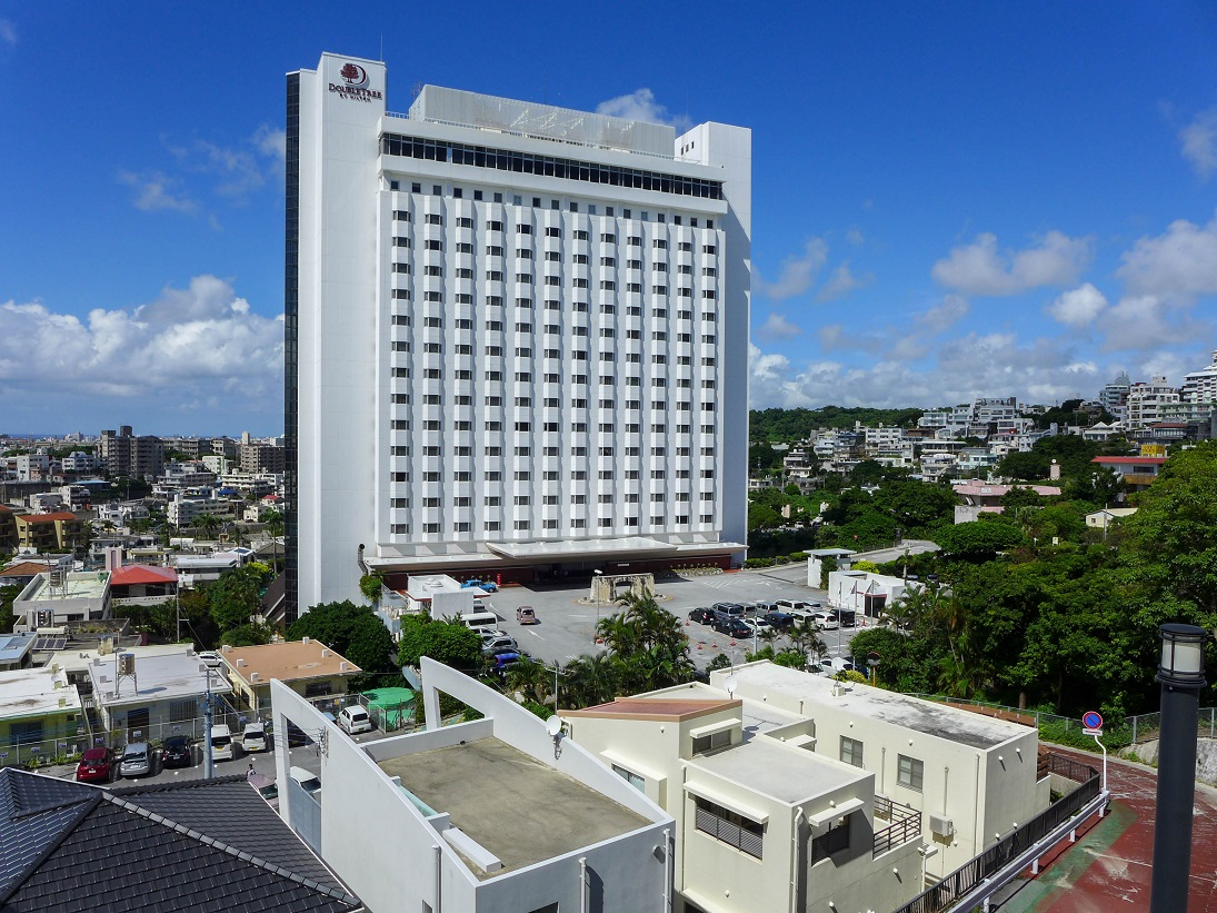 doubletree-by-hilton-naha-shuri-castle-suite-twin-201609-18