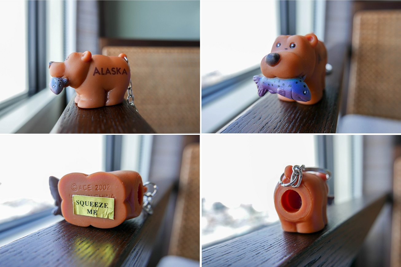 alaska-pooping-brown-bear-squeeze-me-keychain