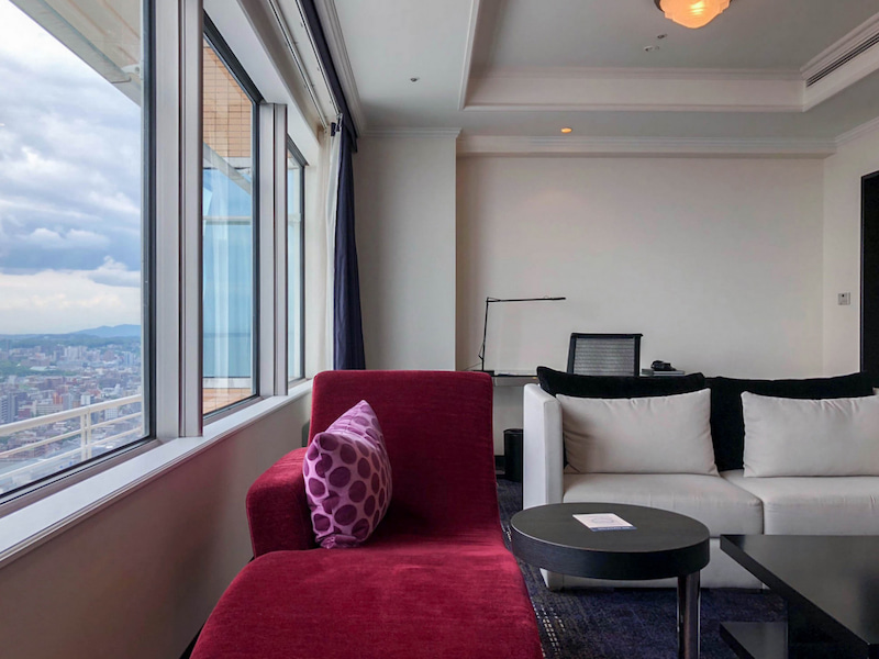 hilton fukuoka seahawk executive suite king 201806 4